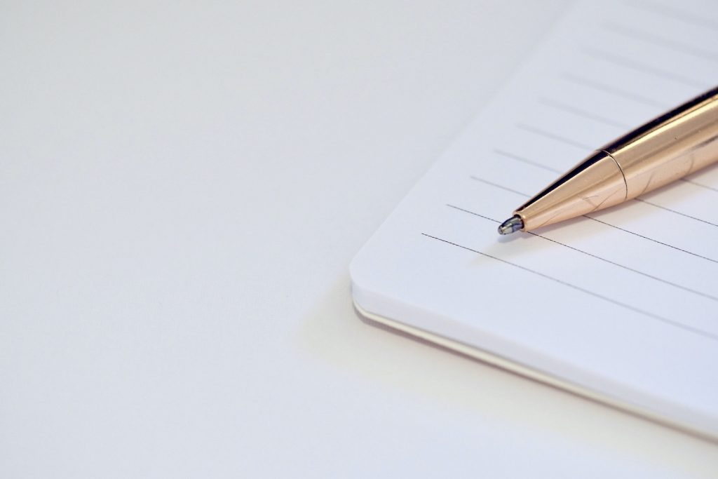ochtendroutine schrijven journaling notitieblok en pen
