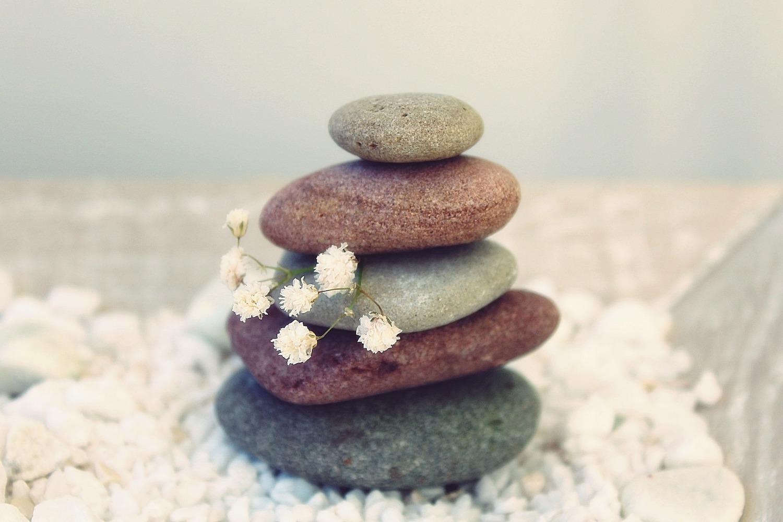 leven in het hier en nu mindfulness stenen