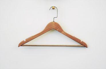 zomer capsule wardrobe 2021 hanger